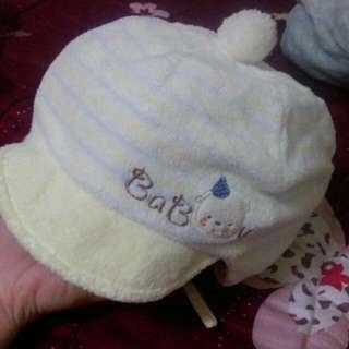 麗嬰房--保暖毛帽