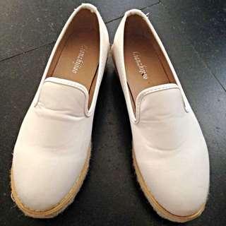 厚底 白鞋