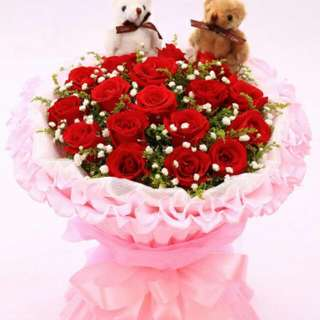 18 Stalks Red Roses Bouquet