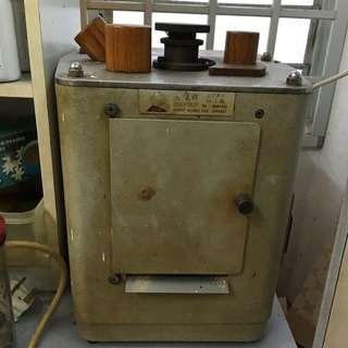 Ginseng Grinder Machine