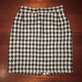 Houndstooth Skirt Size 12