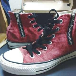 《保留中》『正版高筒Converse 紅黑色 』 #23.5號