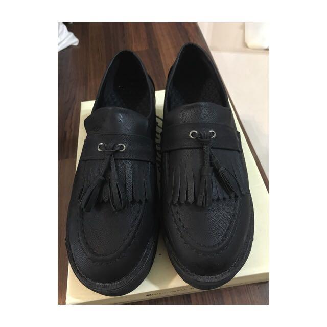 ✨全新✨流蘇壓光皮質厚底鞋