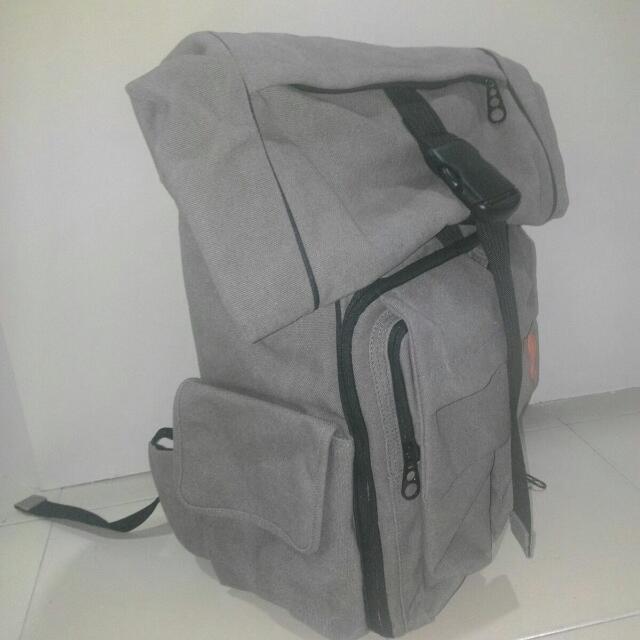 URBAN PROSE Metropolis Camera Backpack