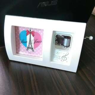 (免運)相框音樂盒  全新  外盒在