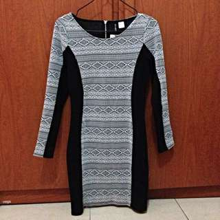 BNWT H&M Long-sleeve Aztec Dress