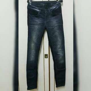 Zara 刷色小直統牛仔褲