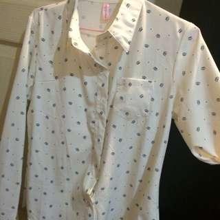 全新白襯衫(小皇冠圖案)