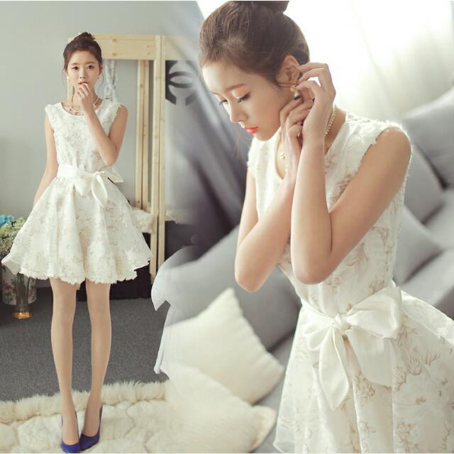 白色短版禮服(伴娘服)