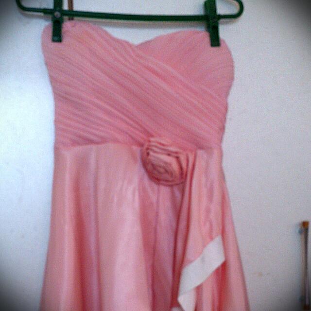 粉紅低胸露肩小洋裝