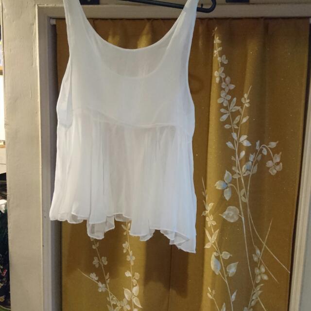 白色透明感背心罩衫