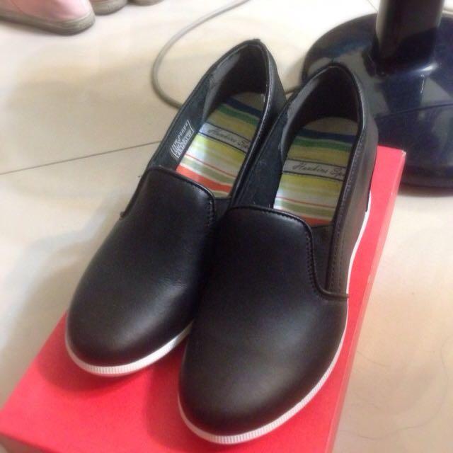 日本帶回🇯🇵黑色楔型鞋