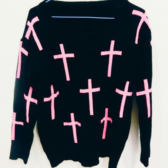 針織十字架毛衣