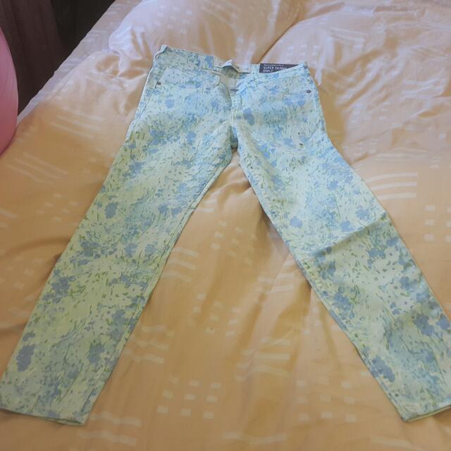 Abercrombie & Fitch·A&F 女牛仔材質窄管內搭褲