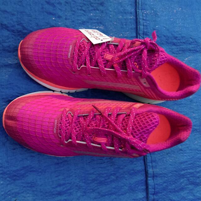 adizero慢跑鞋(愛迪達) US9.  9成新