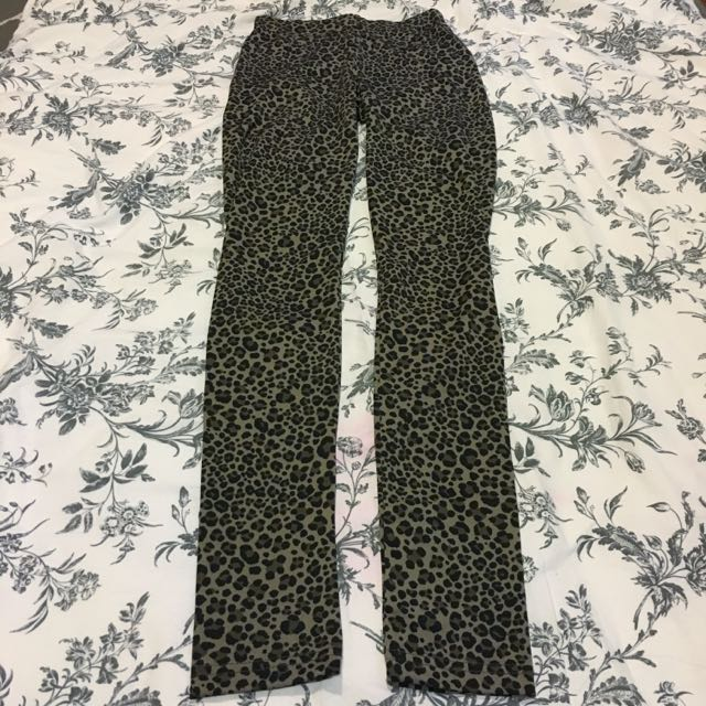 H&M Leopard Printed Leggings