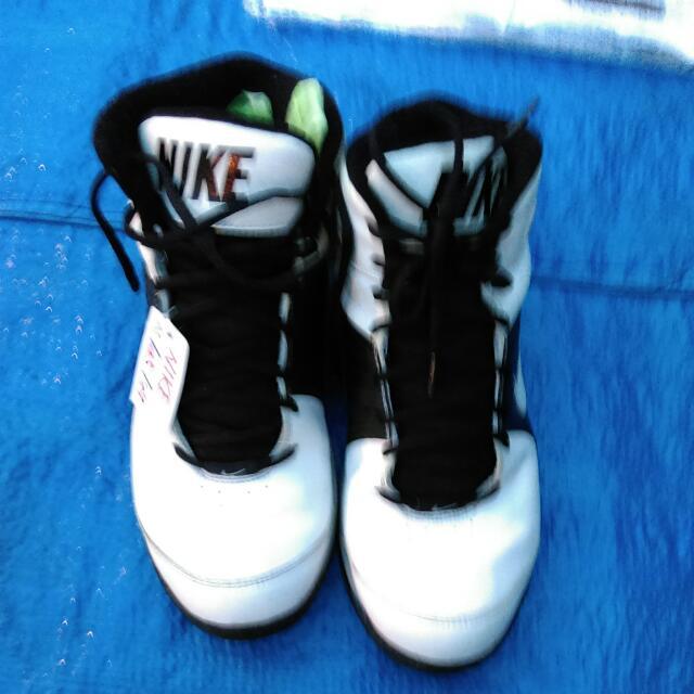 NIKE藍球鞋 8成新   US11