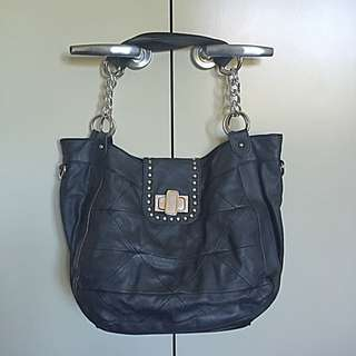 Novo Black Shoulder Handbag