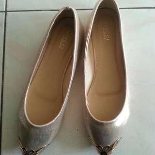 Vincci Flat Shoes - FREE 😊