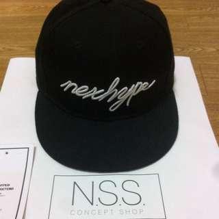 Nexhype 棒球帽 黑 草寫logo 經典款