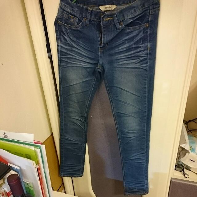 深藍牛仔褲
