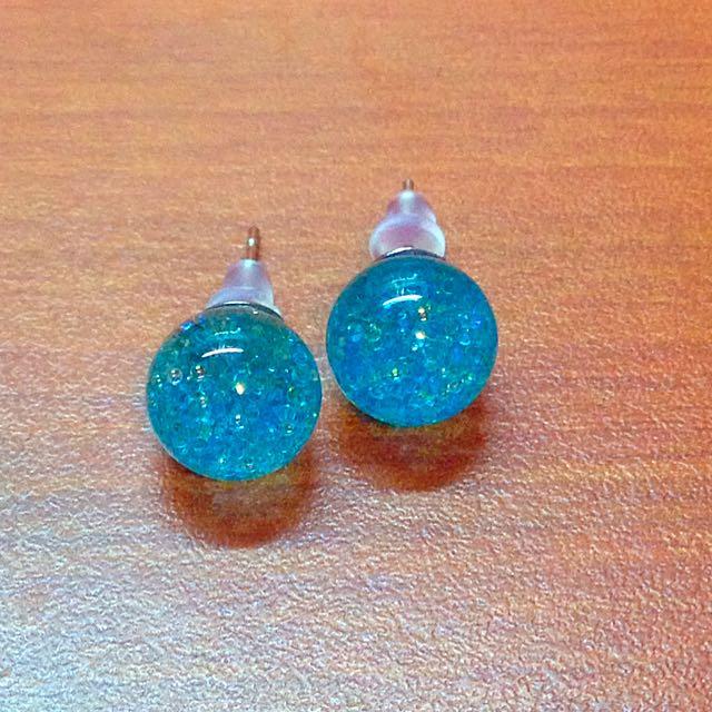 全新 未試戴過 水藍色玻璃珠耳環