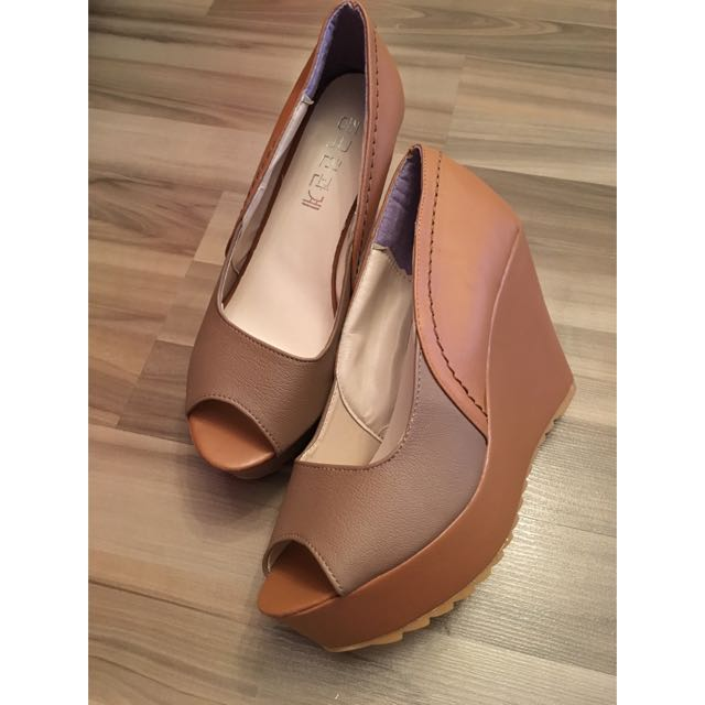 Brand New Brown Wedges
