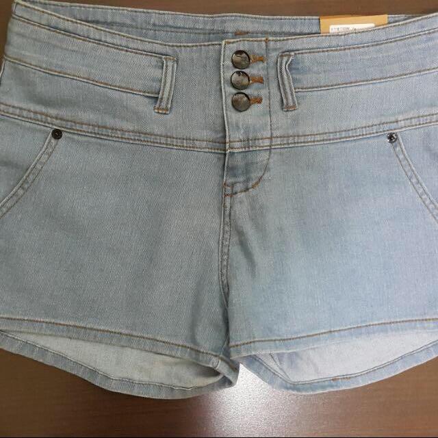 正韓/全新單寧款高腰牛仔短褲L號(有兩色)