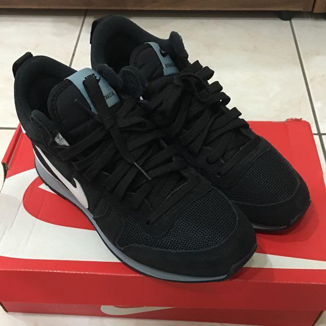Nike 限量球鞋
