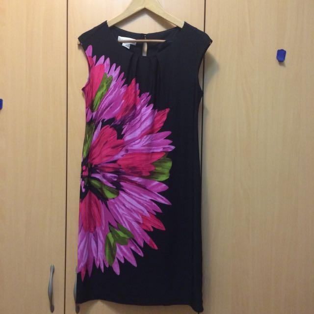 無袖花朵連身裙size 6