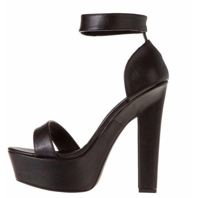 Spurr Heels Size 10