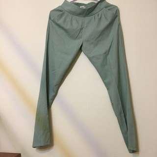 淺綠色雪紡哈倫褲