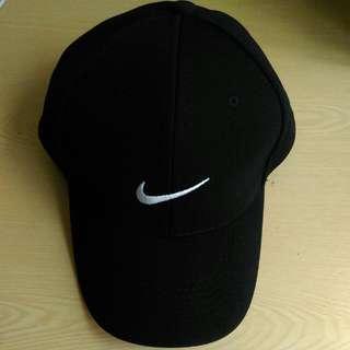 (保留)Nike黑色棒球帽