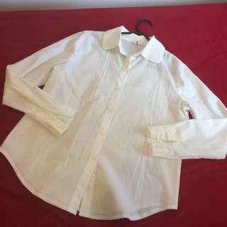 Round-collared shirt