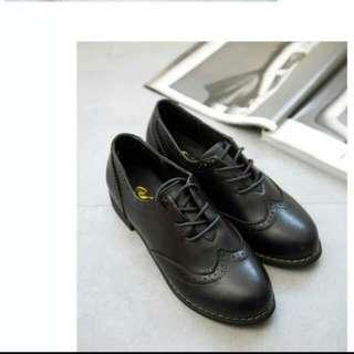 牛津雕花黑色典雅好搭皮鞋,全新