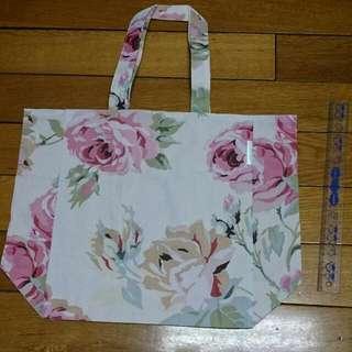 日雜附錄 英國LAURA ASHLEY 玫瑰印花托特包 肩背手提袋 購物袋