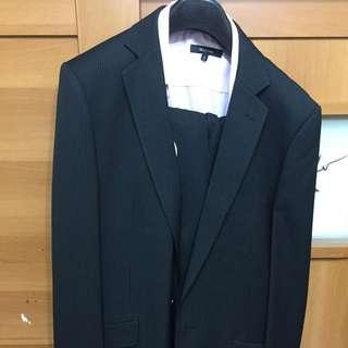 二手G2000西裝 只穿過一次。 有襯衫領帶