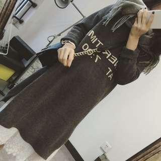 056預購。可愛超級顯瘦羊毛毛衣裙-深灰色&黑色