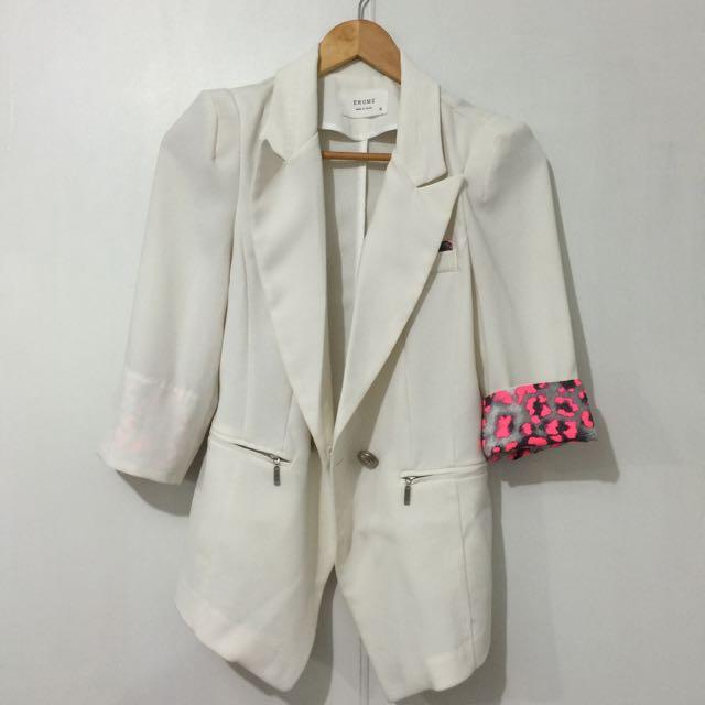 🈴二手韓版白色有腰身西裝外套