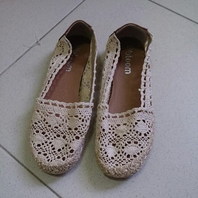 蕾絲布料鏤空娃娃鞋 米白