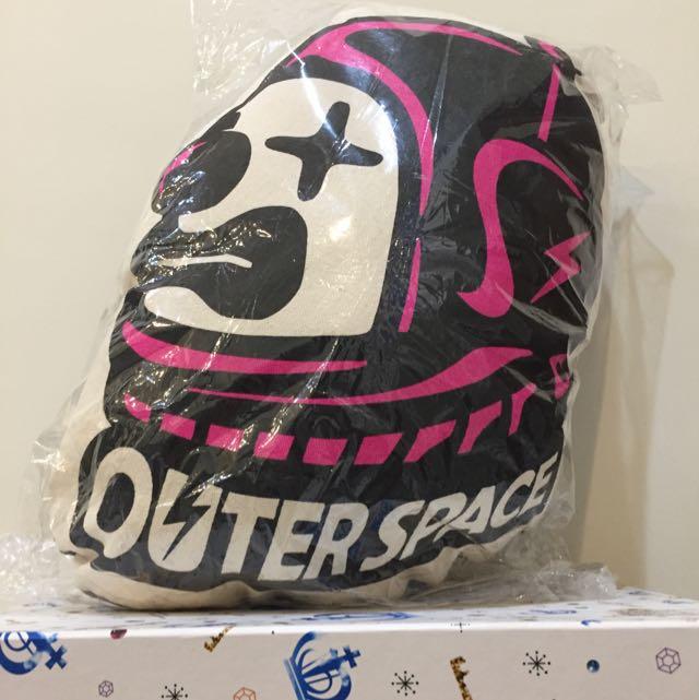 全新 潮牌Outerspace 抱枕