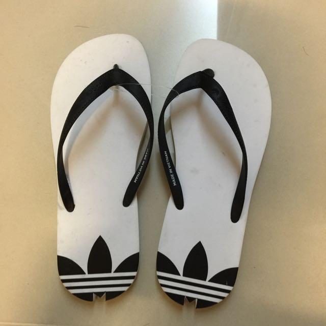 adidas 全新海灘拖