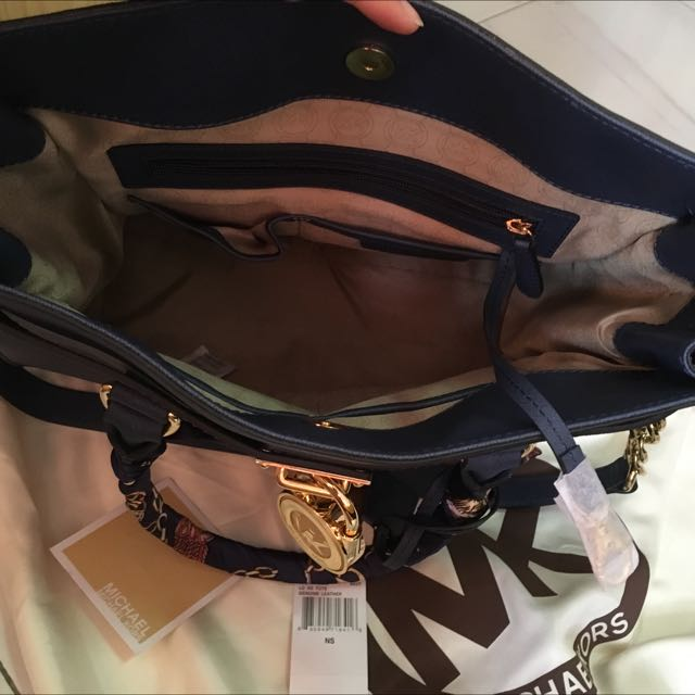 Authentic Michael Kors Hamilton Navy Blue bag (Reserved) 854a83b29584f
