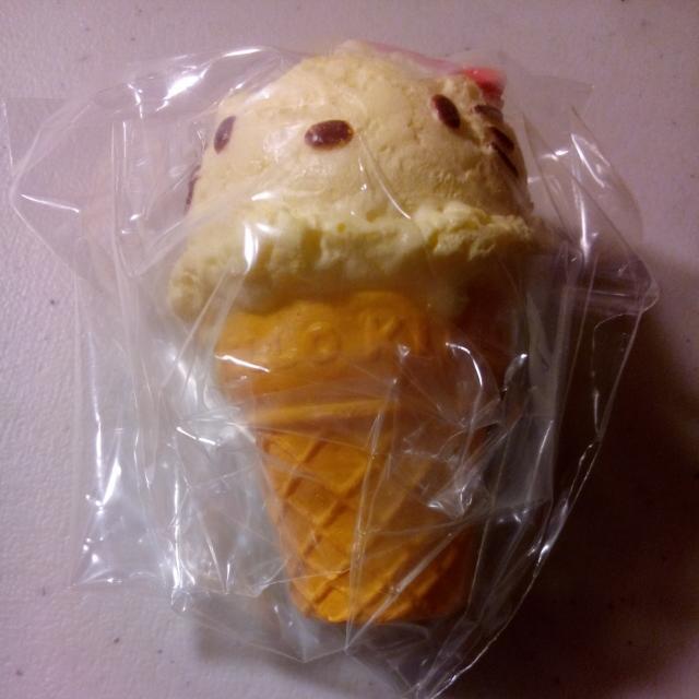 Rement絕版Kitty冰淇淋軟軟吊飾