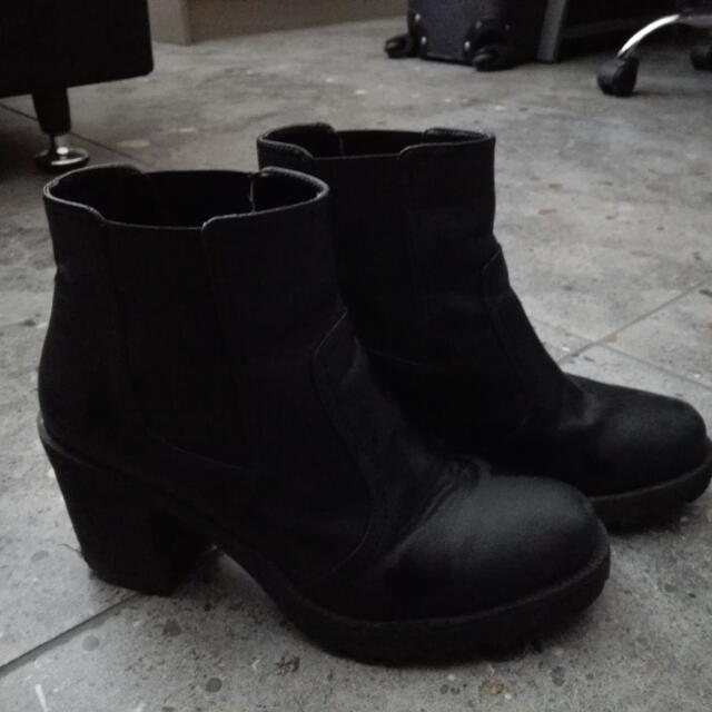 Sports Girl Boots