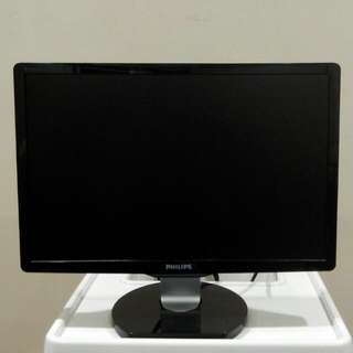 "Philips 19"" LCD Monitor"