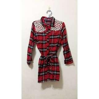 紅黑格子束腰長版襯衫