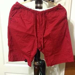 (二手)紅色短褲