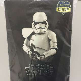 Hot Toys - StormTrooper Squad Leader (MISB). Come with 1 Starwars 2016 Calendar