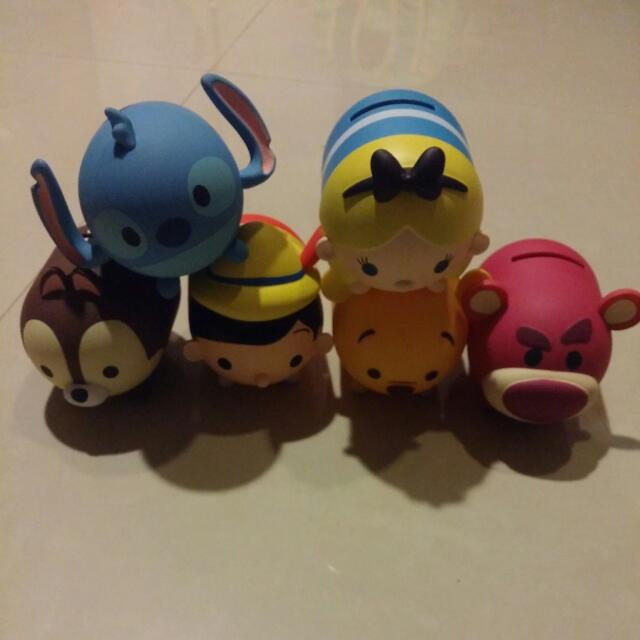全家扭蛋存錢筒-史蒂奇,愛莉絲,皮諾丘,小熊維尼,熊抱哥,奇奇蒂蒂
